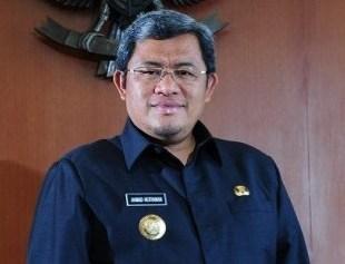 West Java Governor Ahmad Heryawan: End Dog-Wild Boar Fights (October 25, 2017)